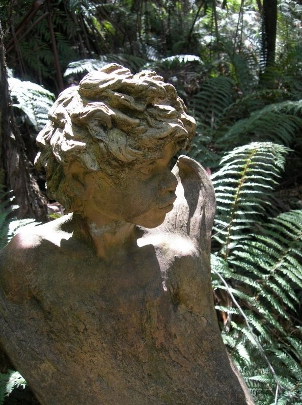 For a quiet and reflective group activity visit the William Ricketts Sanctuary